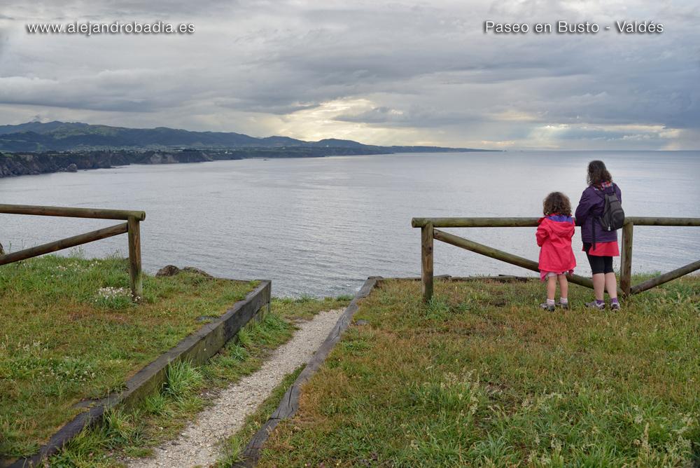 Ruta Busto-family-03-Paseo